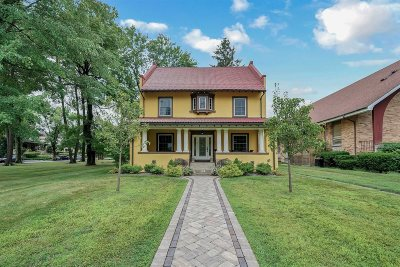 Poughkeepsie City Single Family Home For Sale: 93 Hooker Ave