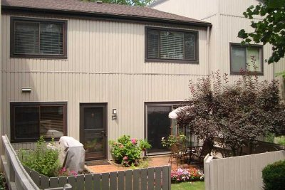 Poughkeepsie City Condo/Townhouse For Sale: 2803 Mulberry Ct