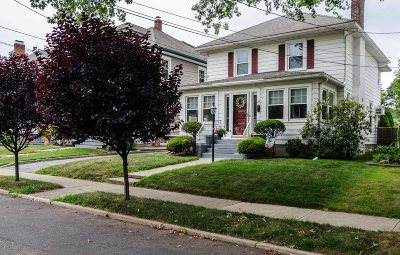 Poughkeepsie City Single Family Home For Sale: 28 Parkwood Blvd