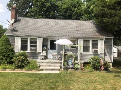 Hyde Park NY Single Family Home For Sale: $215,000