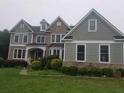 East Fishkill Single Family Home For Sale: 19 Ballymeade Rd