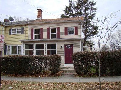 Poughkeepsie City Condo/Townhouse For Sale: 95 S Hamilton St