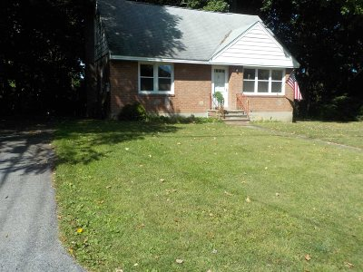 Poughkeepsie Twp Single Family Home For Sale: 5 Briarwood