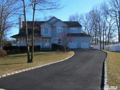 Single Family Home Sold: 12 Debron Ct