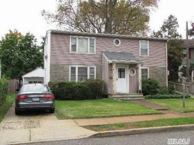 Oceanside NY Single Family Home For Sale: $325,000