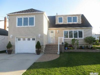 E. Rockaway NY Single Family Home For Sale: $469,000