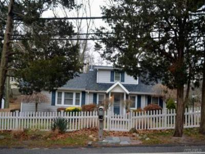 Sound Beach Single Family Home For Sale: 120 Lower Rocky Poin Rd