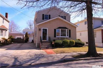 Oceanside NY Single Family Home Sold: $469,000