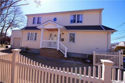 Freeport NY Single Family Home Sale Pending: $425,000
