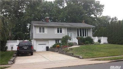 St. James Single Family Home For Sale: 176 Tredwell Ave
