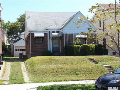 Single Family Home Sold: 72-31 139th St