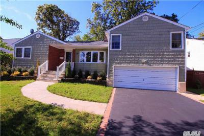 Oceanside NY Single Family Home Sale Pending: $609,000