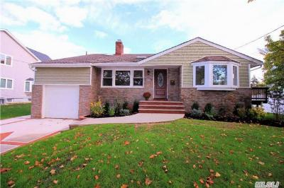 Oceanside NY Single Family Home Sale Pending: $559,000