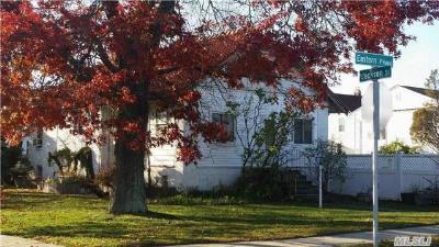 Baldwin Single Family Home For Sale: 3200 Eastern Pky