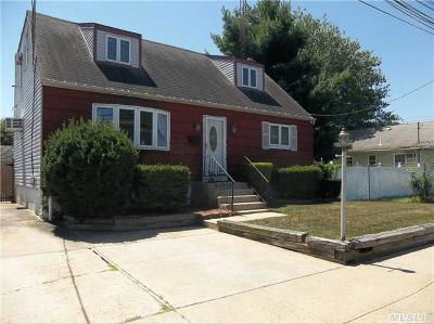 Single Family Home Sold: 221 E Hoffman Ave