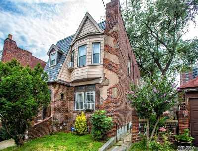 Woodside Single Family Home For Sale: 47-19 59 Pl