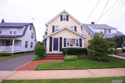 Oceanside NY Single Family Home Sold: $439,000