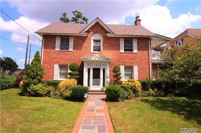 Woodmere NY Single Family Home Sale Pending: $649,000