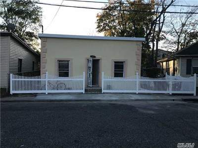 Inwood Single Family Home For Sale: 7 Alvin Pl