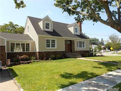 N. Bellmore Single Family Home For Sale: 106 Home St