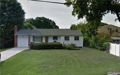 Bay Shore Single Family Home For Sale: 8 Fire Road Dr