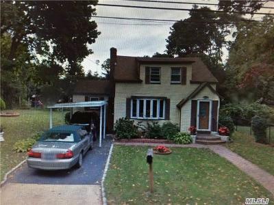 Deer Park Single Family Home For Sale: 77 Duke St