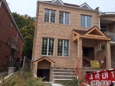 Forest Hills Single Family Home For Sale: 66-48 Selfridge St