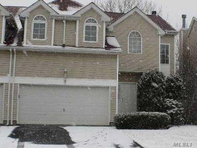S. Setauket Single Family Home For Sale: 5 Sunflower Ridge Rd