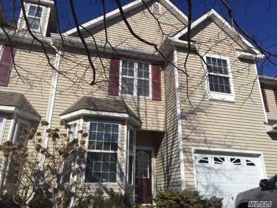 Condo/Townhouse Sold: 22 Avery Ct