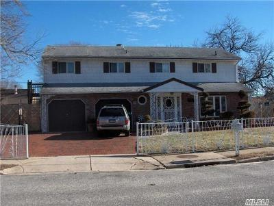 Central Islip NY Single Family Home For Sale: $385,000