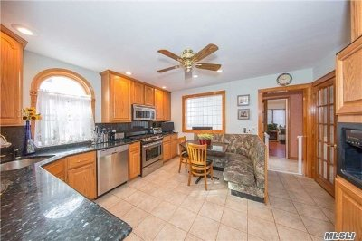 Lynbrook Single Family Home For Sale: 21 Wilson Ave