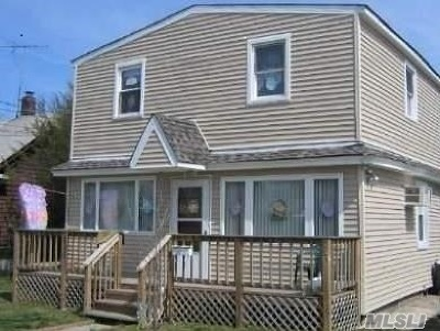 Bay Shore Single Family Home For Sale: 113 N Park Ave
