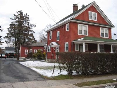 Bay Shore Single Family Home For Sale: 49 First Ave