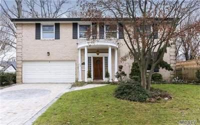 Rockville Centre Single Family Home For Sale: 115 N Riverside Dr