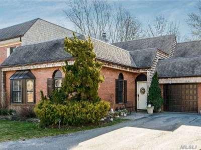 Bay Shore Condo/Townhouse For Sale: 22 Admirals Dr