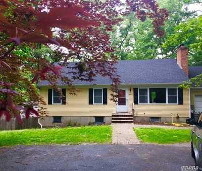 Setauket Single Family Home For Sale: 11 Triangle Dr