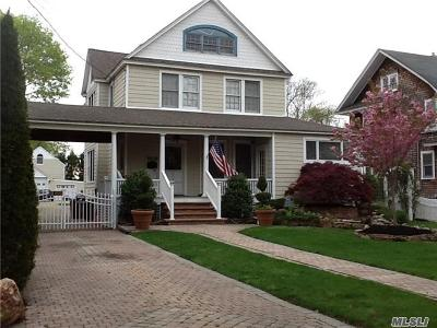 Bay Shore Single Family Home For Sale: 57 Maple Ave