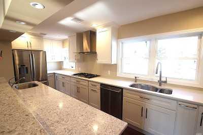 Massapequa Single Family Home For Sale: 3 Neptune Pl