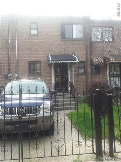 Brooklyn Single Family Home For Sale: 586 Powell St