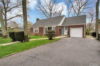 West Islip Multi Family Home For Sale: 1308 Oak Ave