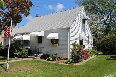 Hicksville Single Family Home For Sale: 191 Lee Ave