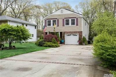 Nesconset Single Family Home For Sale: 107 Sheppard Ln