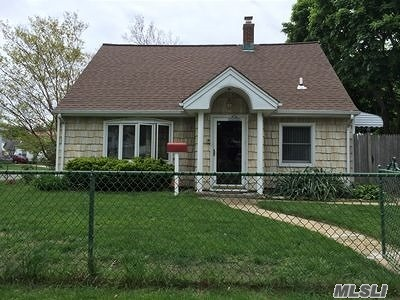 Levittown Single Family Home For Sale: 172 Orchid Rd