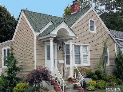Single Family Home For Sale: 1827 Thelma Ave