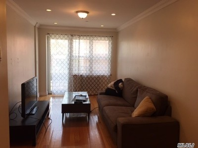 Woodside Condo/Townhouse For Sale