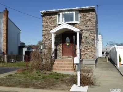 Nassau County Single Family Home For Sale: 2579 Neptune Ave