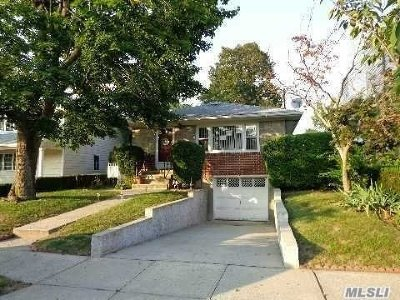Malverne Single Family Home For Sale: 70 Wolf Ave