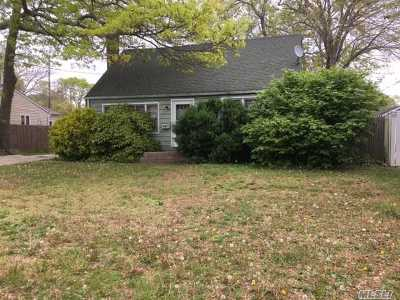Lake Ronkonkoma Single Family Home For Sale: 17 Lakewood Ave