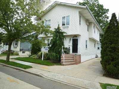 Lynbrook Single Family Home For Sale: 12 Hillside Ave