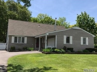 Single Family Home Sold: 76 Chatham Dr